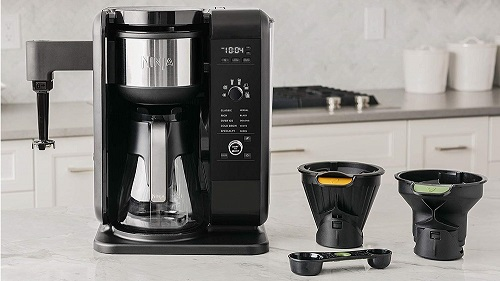Best Hot and Cold Brew Coffee Maker Buyer's Guide