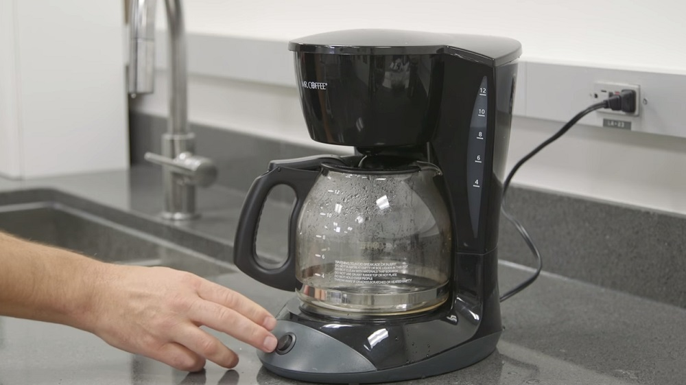 How to Clean a Coffee Maker Without Vinegar: Is it Possible?