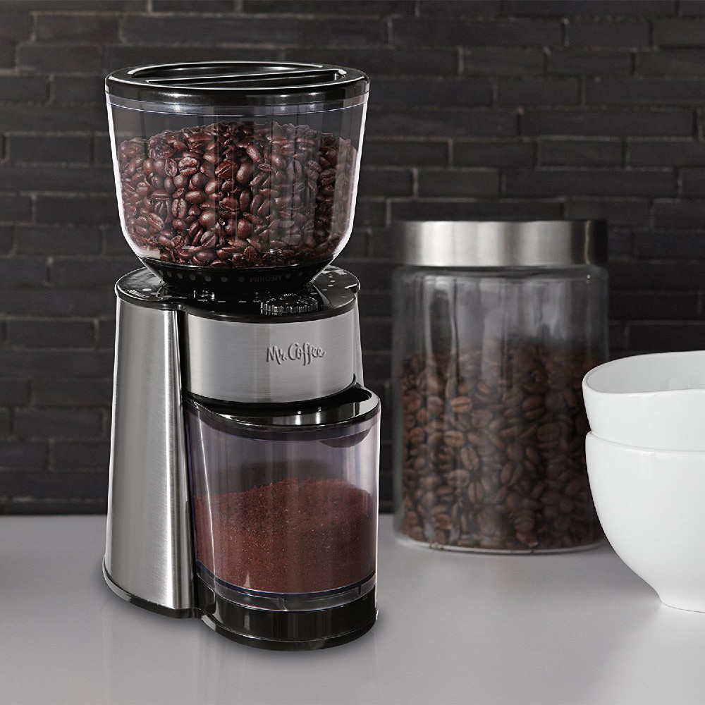What is the difference between Burr and blade coffee grinders?