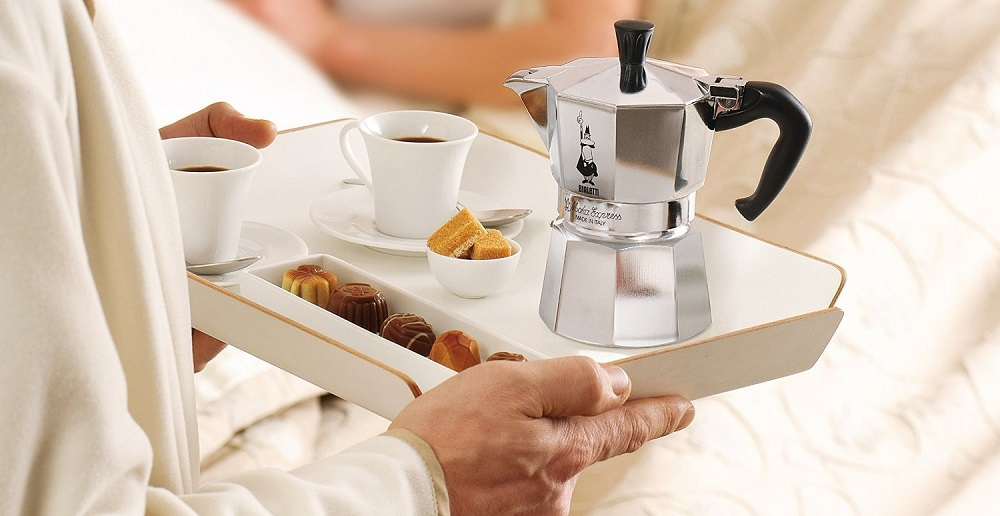How does a stovetop espresso maker work?