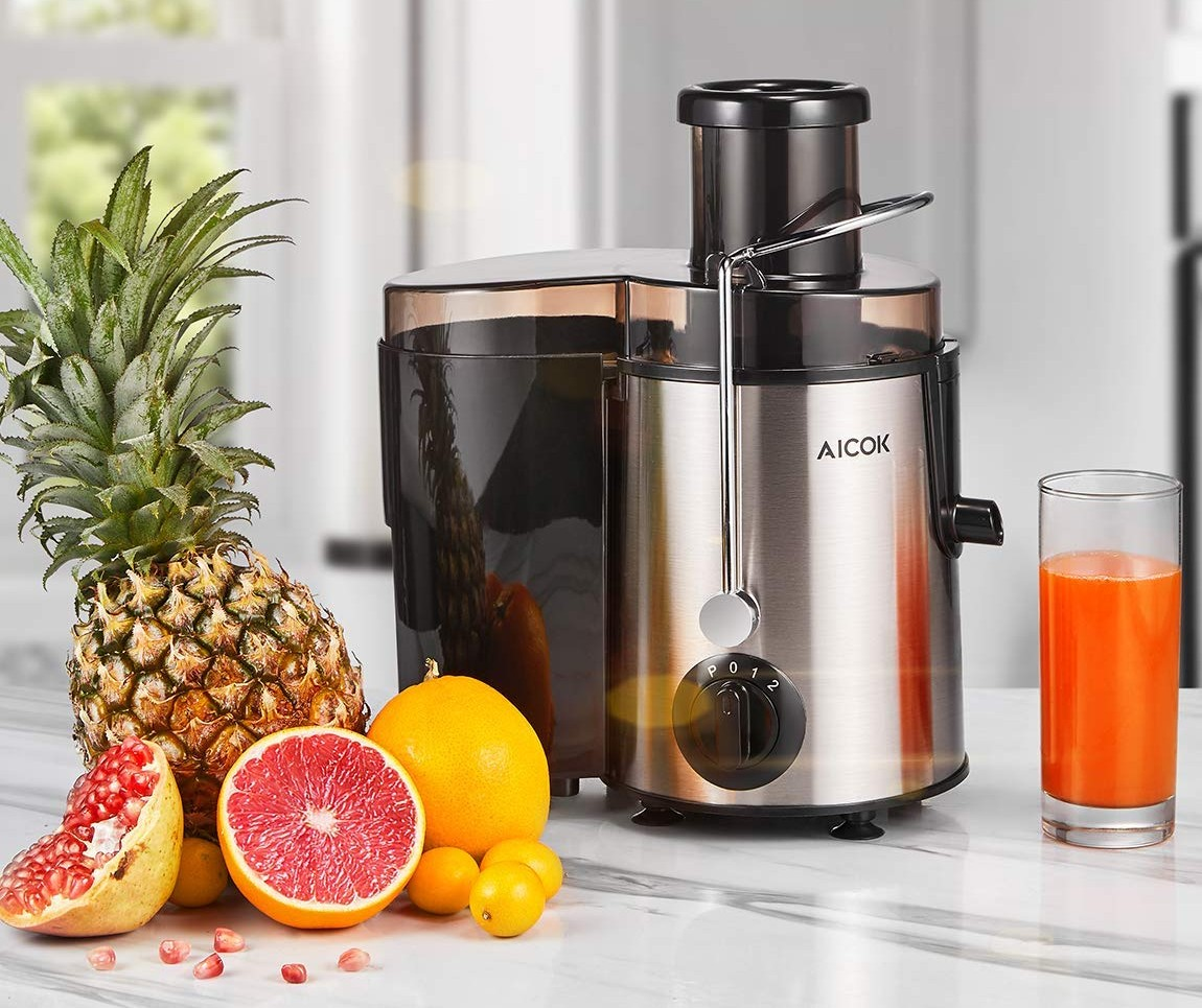 Centrifugal Juicer vs. Cold Press Juicer: What's the Difference?