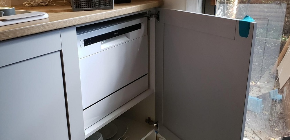 hOmeLabs Compact Countertop Dishwasher Review
